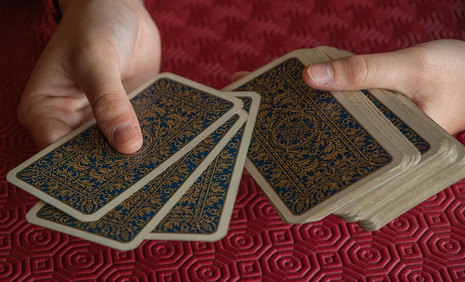 playing cards 2205554 1920